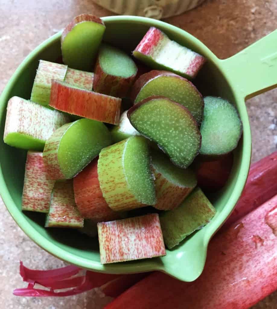 sliced-rhubarb